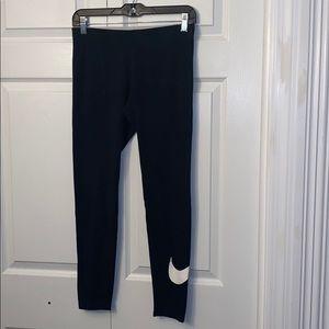 Women's size M Nike old school leggings!